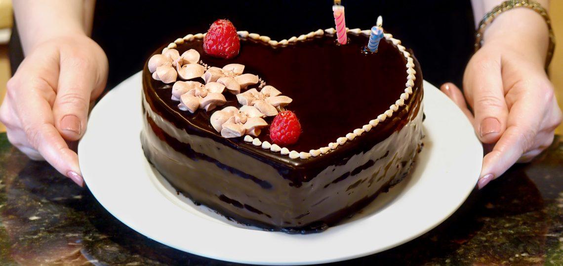 Cokoladna posna torta Medeno srce