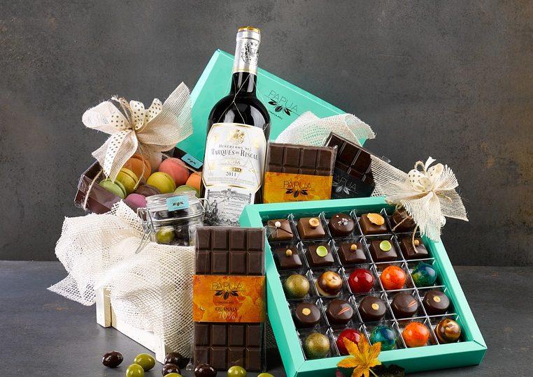 Čokoladne bombonjere i vino