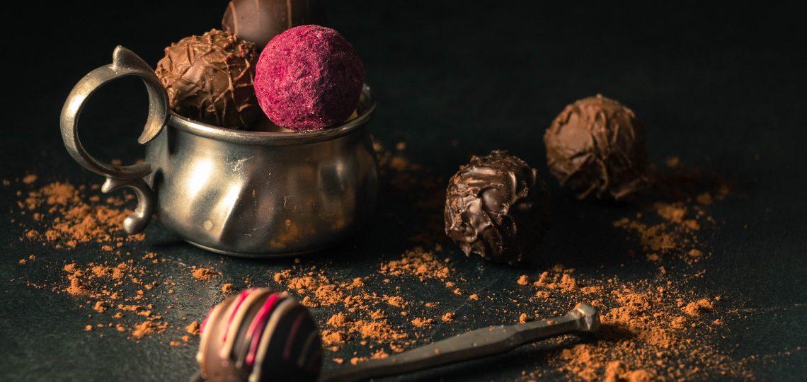 Čokoladne kuglice sa čokoladom