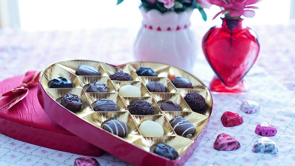 Čokoladna bombonjera u obliku srca