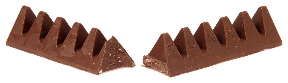 Toblerone čokolada u trouglovima švajcarskih alpa