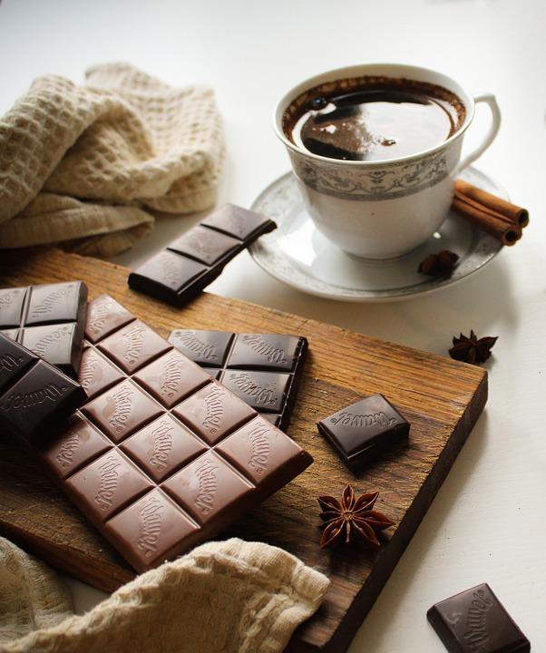 Crna i mlecna cokolada
