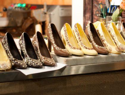 Čokoladne cipele u izlogu